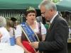 img_1106P Oberbürgermeister Peter Feldmann mit Gespräch mit unserer Sachsenhäuser Brunnenkönigin Karin II.