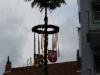 P Der Kerbebaum nach den Böllerschüssen