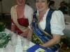 Brunnenkönigin Karin II. mit der Hessischen Erdbeerkönigin