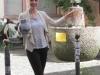4052P Laura am Frau Rauscher Brunnen